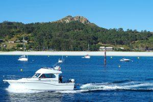 Vista de la playa de Rodas acercándose al embarcadero. Islas Cíes, Isla de Monteagudo