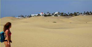 Vista de los resorts desde las dunas de Maspalomas.