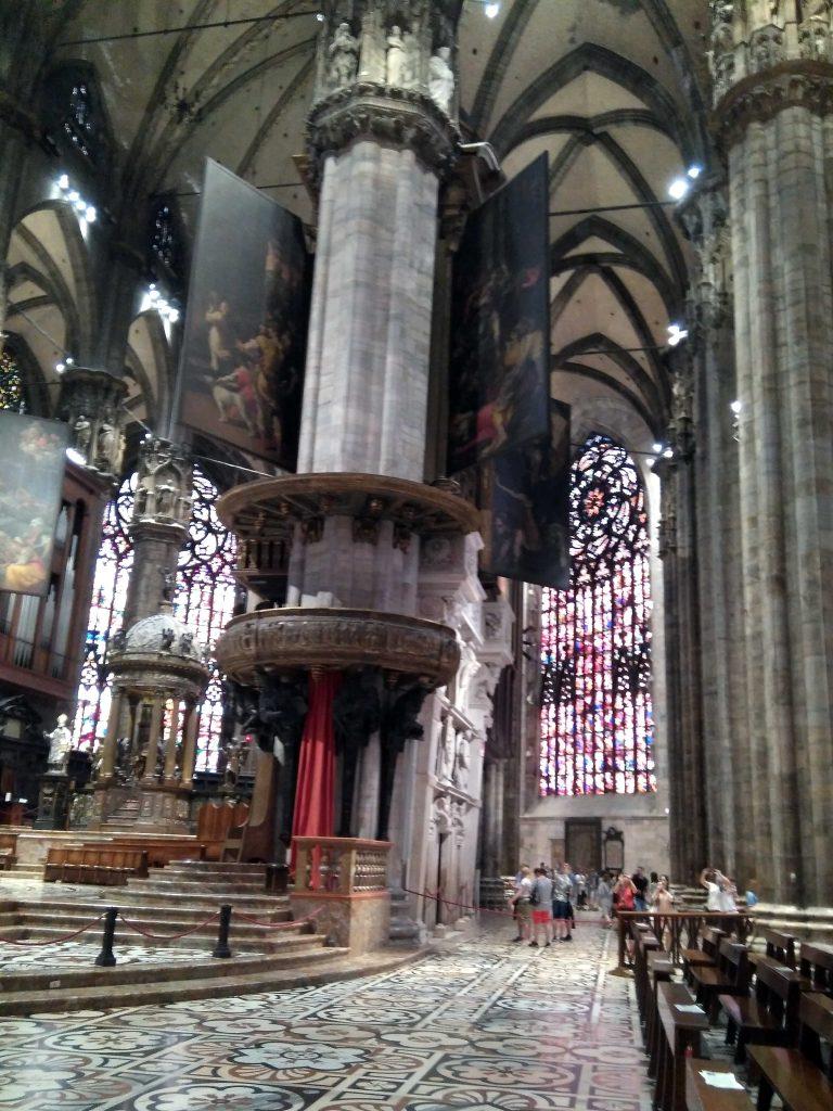 Qué ver Milán en un día: El interior del Duomo