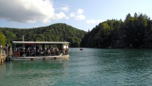 Lago kozjak en los Lagos Plitvice.