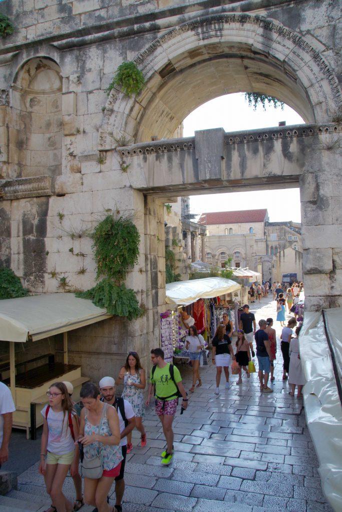 Puerta de Plata del Palacio Diocleciano