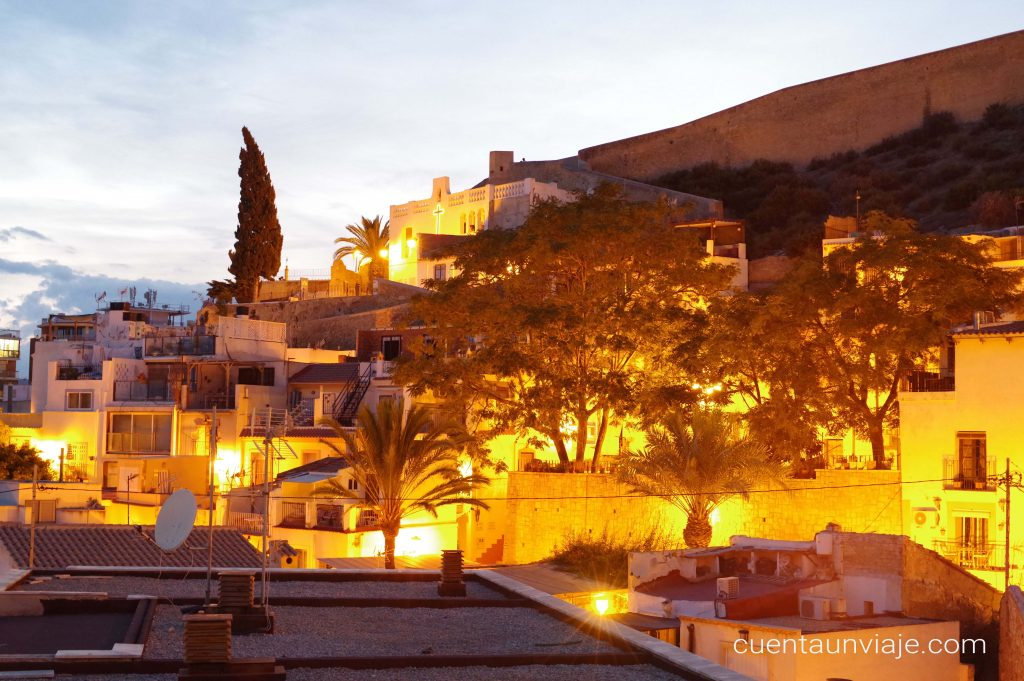 Atardecer en el barrio de Santa Cruz de Alicante