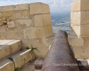 Cañon en el Castillo de Santa Bárbara