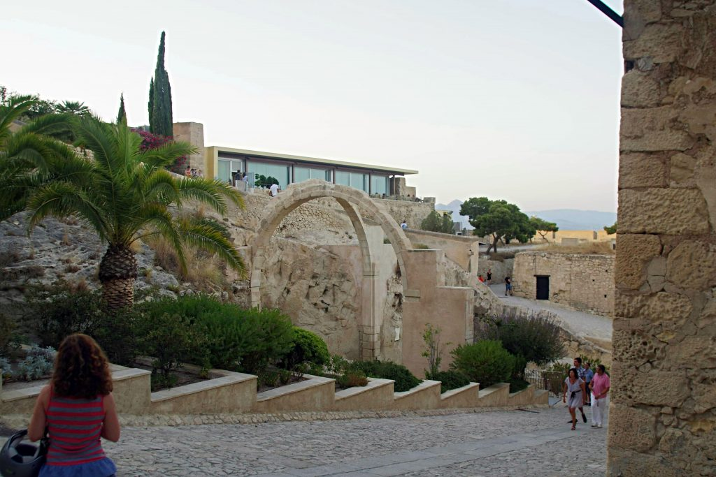 Ruinas de la ermita en el Cast